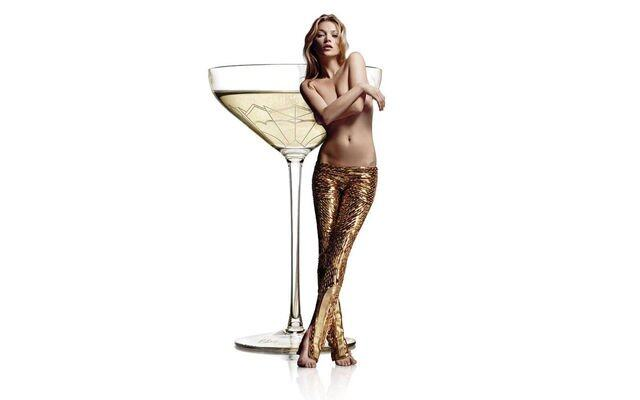 champagne-glass-modelled-on-kate-moss-left-breast
