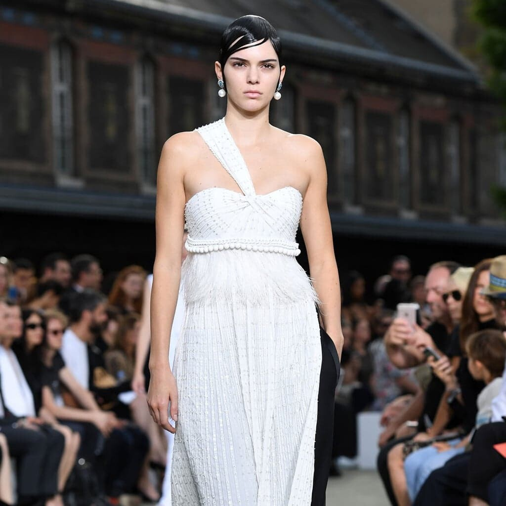 Bella Hadid, Kendall Jenner, Fashion Week Live, Givenchy