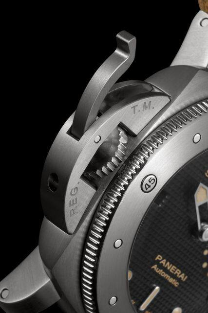 Panerai Luminor Submersible 1950 Left-handed 3 Days Automatic Titanio